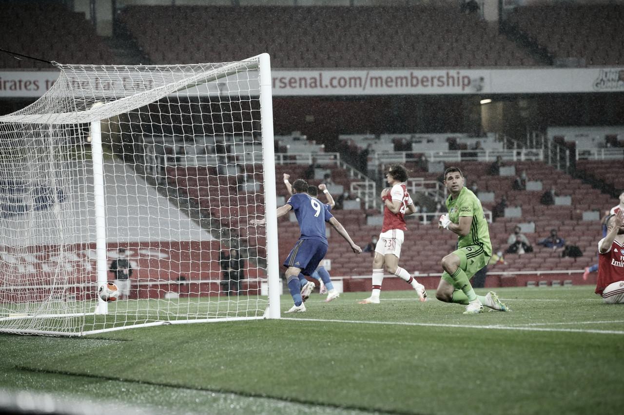 El Leicester rescata un importante punto del Emirates