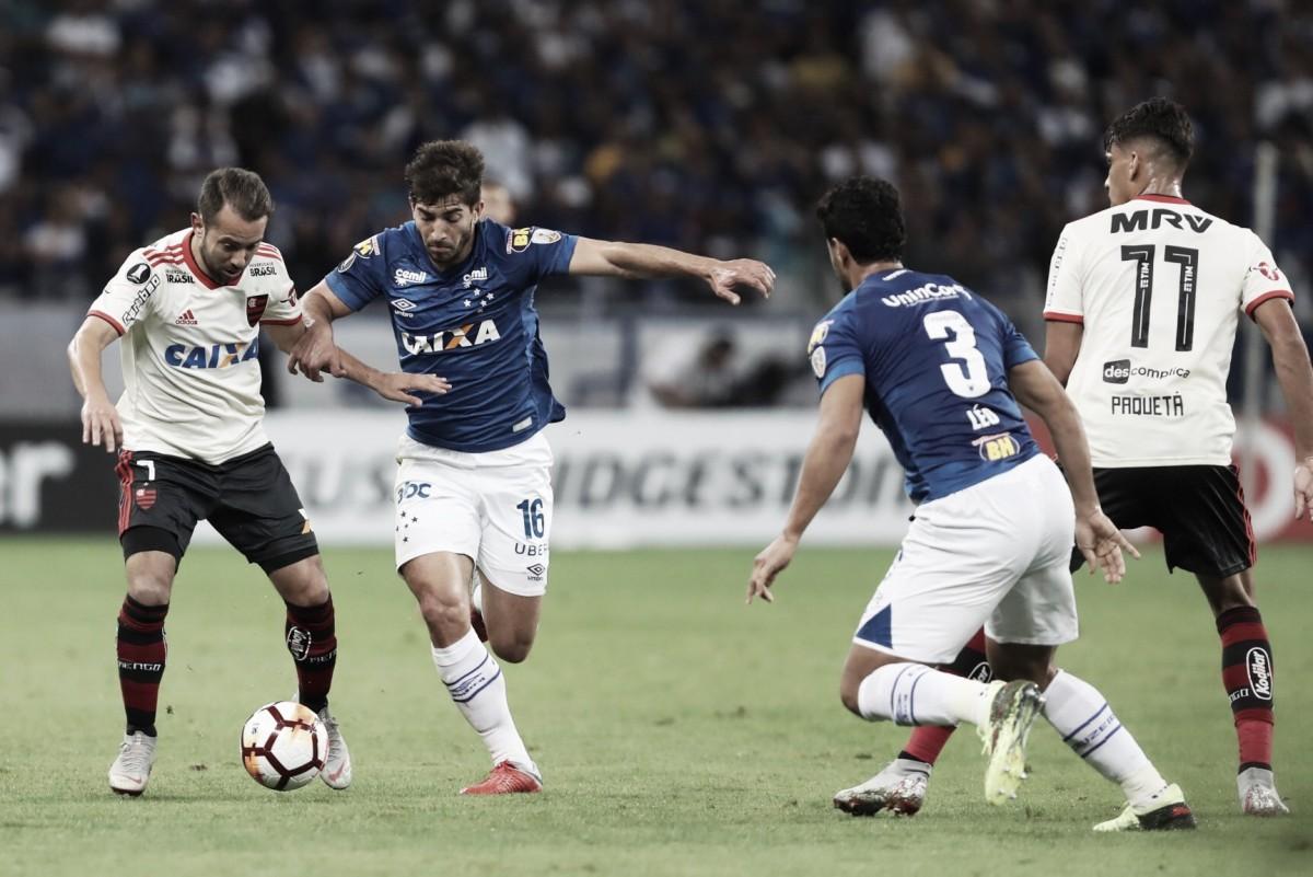 Flamengo vence, mas Cruzeiro avança na Libertadores pela vantagem do jogo de ida