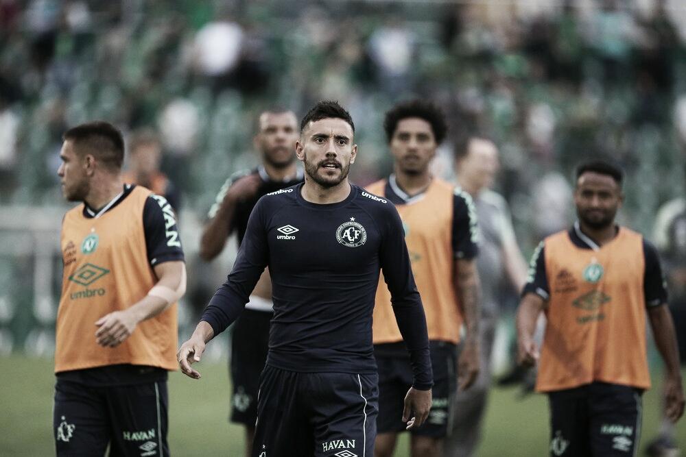 Com três novos desfalques, Chapecoense inicia preparação para enfrentar o Vitória