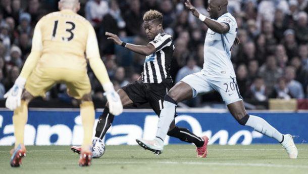 Capital One Cup: altri due per Pellé, City eliminato dai giovani Magpies, ok il Tottenham. Sorteggiati i quarti di finale