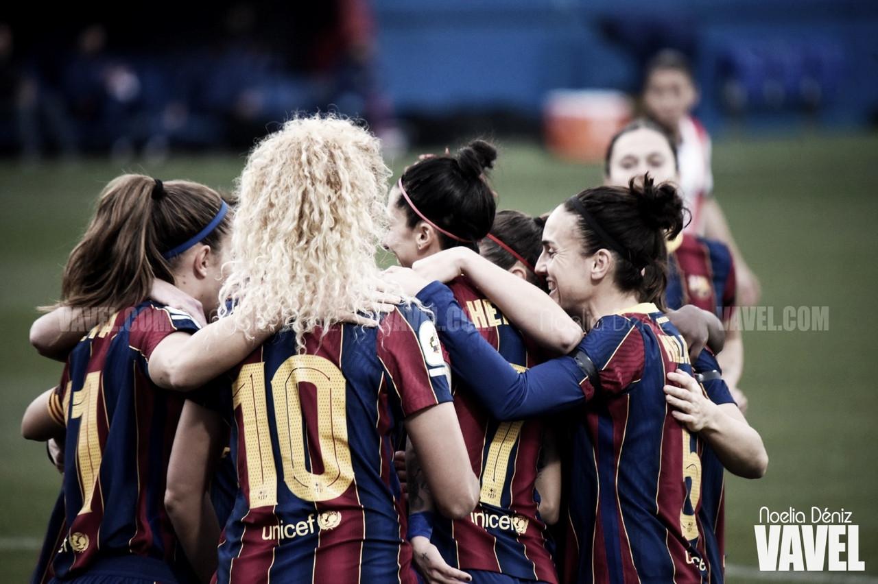 Las jugadoras del Fútbol Club Barcelona celebrando un gol en el partido correspondiente a la jornada 5 de la Primera Iberdrola 2020/21 | Foto de Noelia Déniz, VAVEL