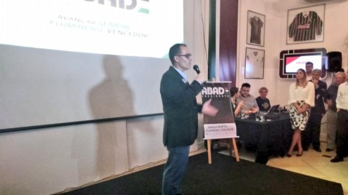 """Pedro Abad comenta busca por patrocinador: """"Temos que valorizar a camisa do Flu"""""""