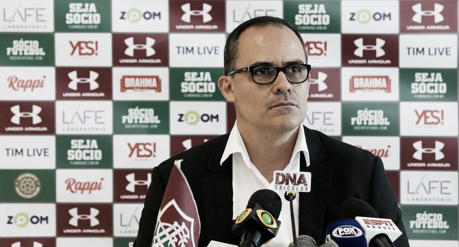 """Revoltado com erro da arbitragem, Abad ameaça abandonar Carioca: """"Não respeitam o Fluminense"""""""