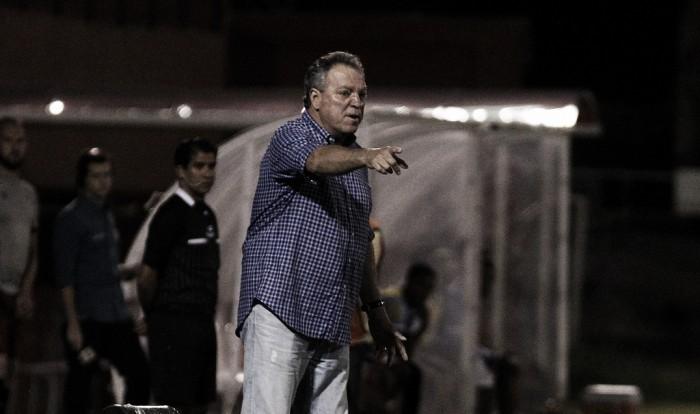 Abel comemora vitória frente ao Macaé e afirma não se preocupar com retorno de Scarpa