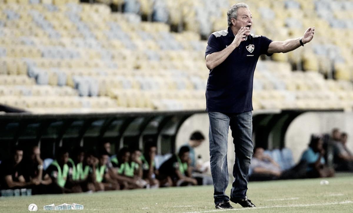 Após goleada sobre o Nacional Potosí, Abel Braga critica vaias da torcida e elogia elenco