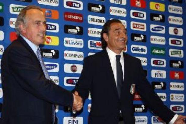 Prandelli firma il rinnovo, in azzurro fino al 2016