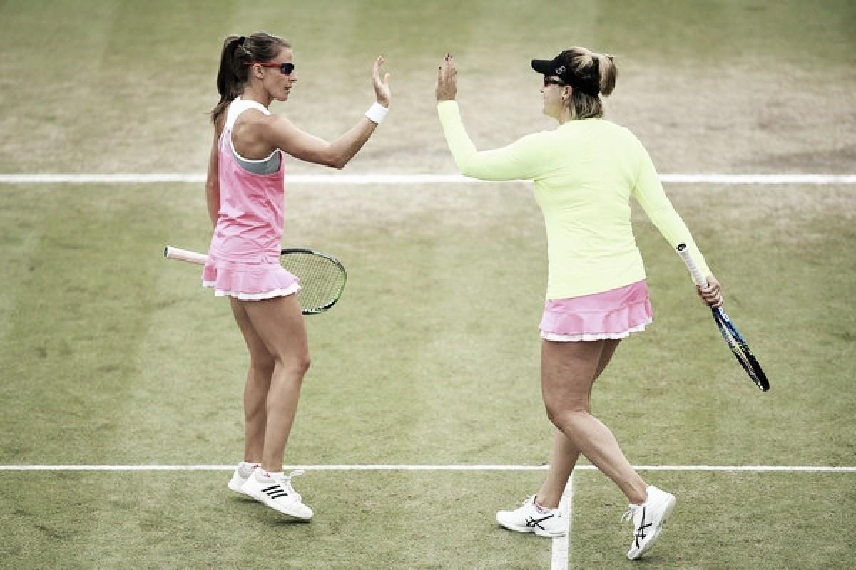 Rosolska y Spears eliminan a las favoritas para el título en dobles