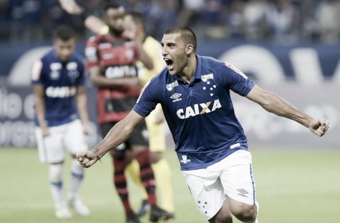 Fifa intima Cruzeiro a pagar restante da dívida junto ao Huracán pela compra de Ábila