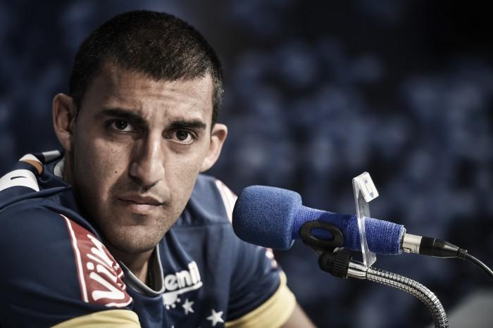 Cotado para substituir Willian, suspenso, Ramon Ábila reforça vontade de voltar a ser titular