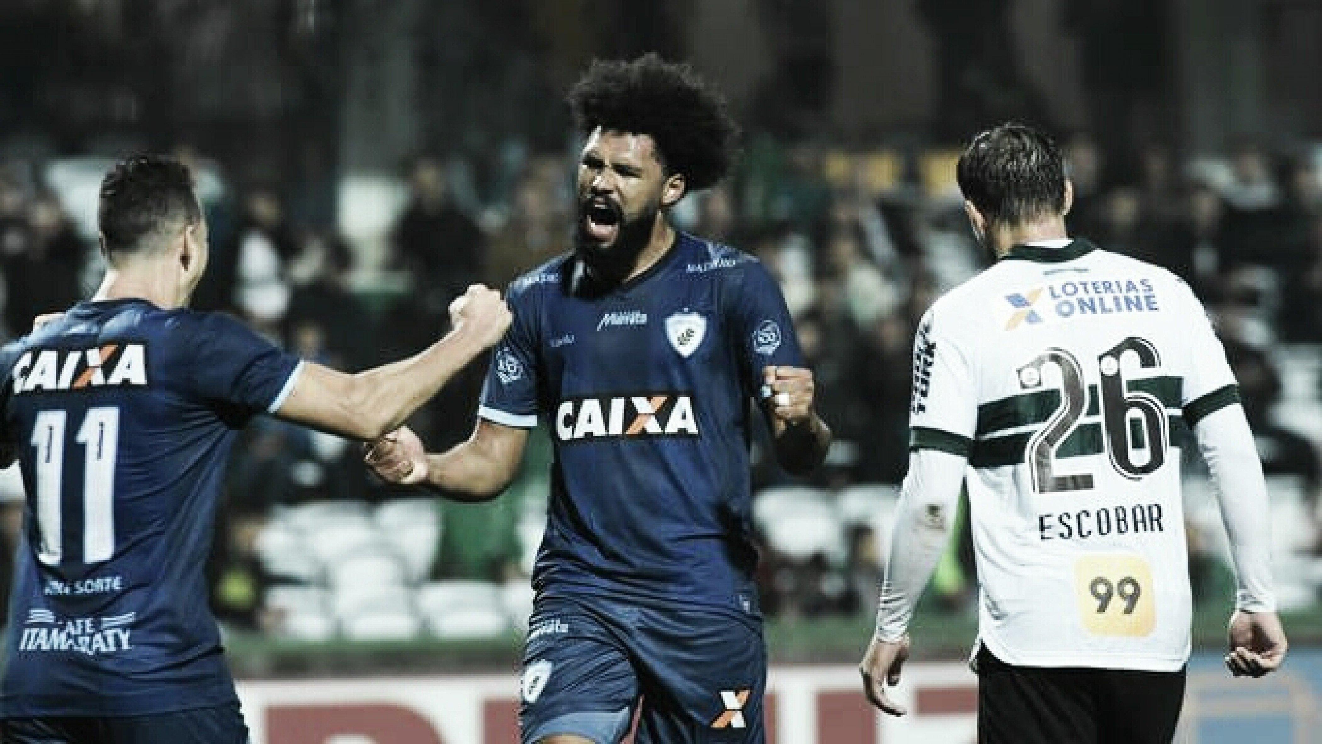 Lucas Costa marca e Londrina vence Coritiba no Couto Pereira