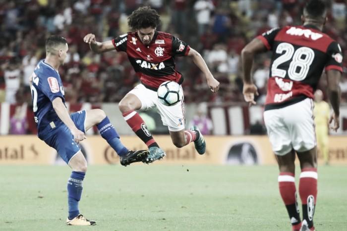 """Apesar de empate em casa, Arão vê título em aberto: """"No Mineirão será diferente"""""""