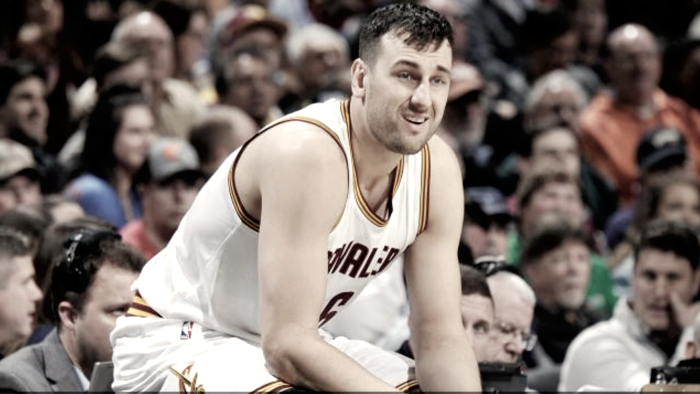 Andrew Bogut set to join the Lakers on a one-year deal