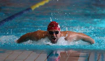 Los nadadores máster se rebelan contra el precio de las licencias