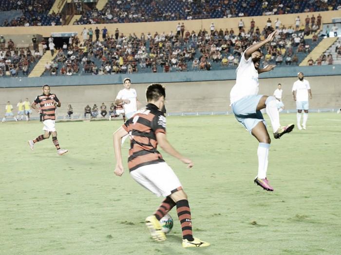 Keirrison marca duas vezes e Londrina surpreende Atlético-GO no Serra Dourada