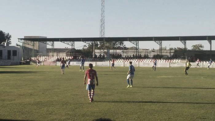 La UDC Torredonjimeno consigue la primera victoria ante el CD Alhaurino