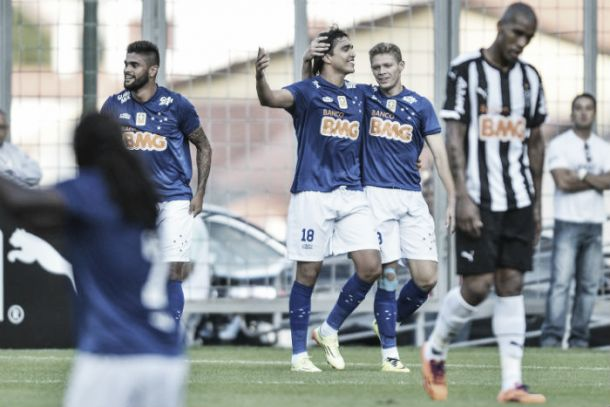 Marcelo Moreno reclama da arbitragem depois de clássico e acaba expulso