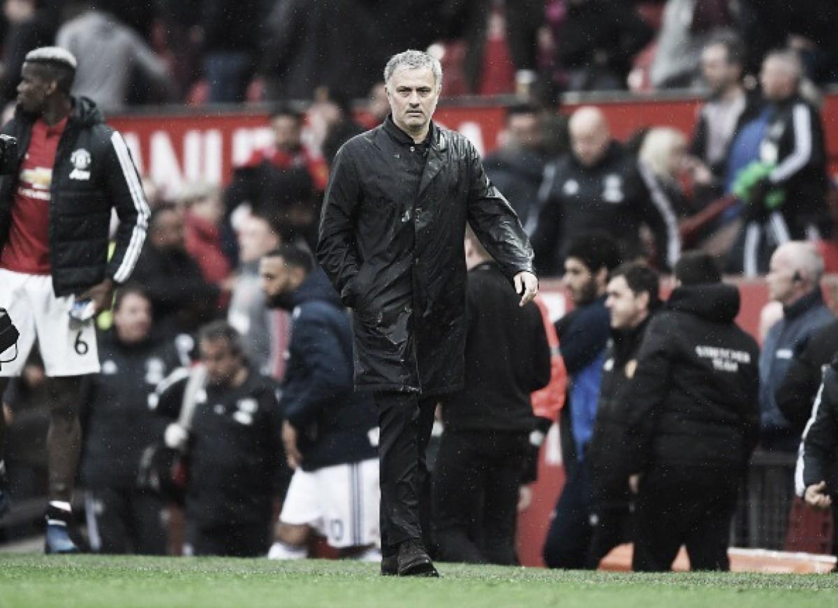 """Mourinho se mostra chateado com elenco do United: """"Só posso escalar de acordo como eles jogam"""""""