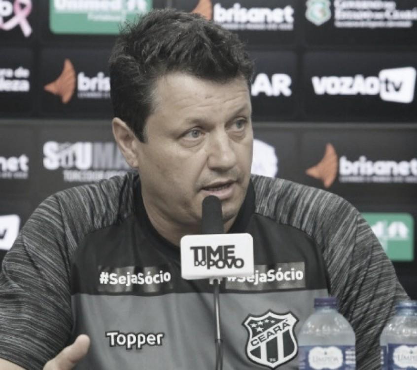 """Adilson Batista elogia Ceará e se esquiva de polêmica em gol anulado: """"Não vou comentar"""""""