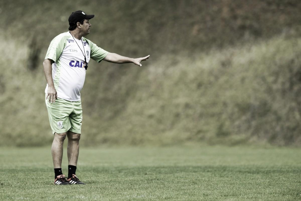 Com o retorno de Ruy, Adilson Batista comanda treino do América-MG visando o Fluminense