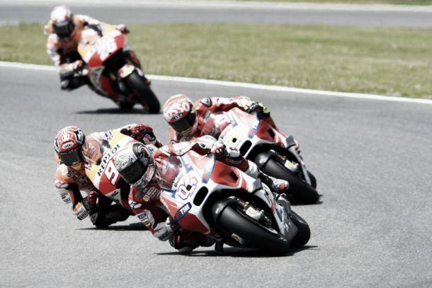 """Ducati, gioia Iannone: """"Un podio che vale più di una vittoria"""". Delusione Dovizioso, fuori per un problema tecnico"""