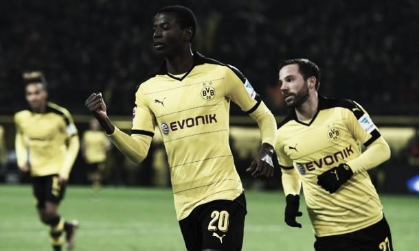 Adrián Ramos anotó y el Borussia Dortmund ganó