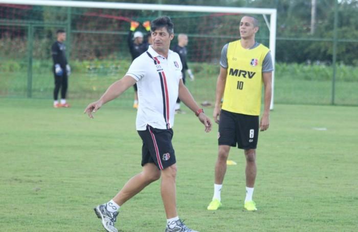 Santa Cruz opta por descanso aos atletas antes do jogo contra América-MG