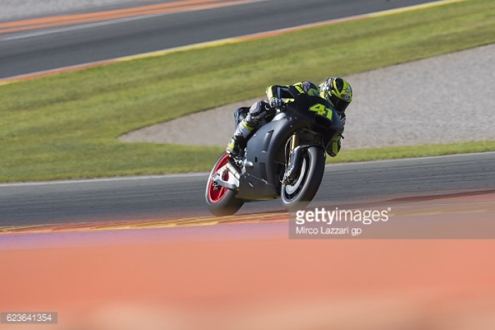 Great debut for Aleix Espargaro on the Aprilia, but Lowes unable to continue with test