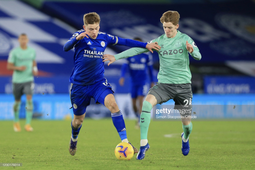 LEICESTER, ENGLAND - DECEMBER 16: Harvey Barnes of Leicester battles with Anthony Gordon of Everton during the Premier League match between Leicester City and Everton at The King Power Stadium on December 16, 2020 in Leicester, United Kingdom. The match will be played without fans, behind closed doors as a Covid-19 precaution. (Photo by Simon Stacpoole/Offside/Offside via Getty Images)