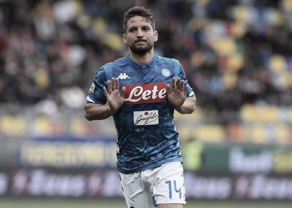 Napoli vence Frosinone e garante vaga na Champions League