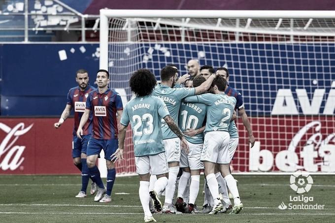 Los jugadores de Osasuna celebran un gol ante la SD Eibar durante la temporada 2019/20 | Fuente: LaLiga Santander