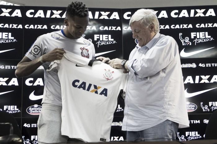 """Jô é apresentado e exalta retorno ao Corinthians após 11 anos: """"Minha casa"""""""