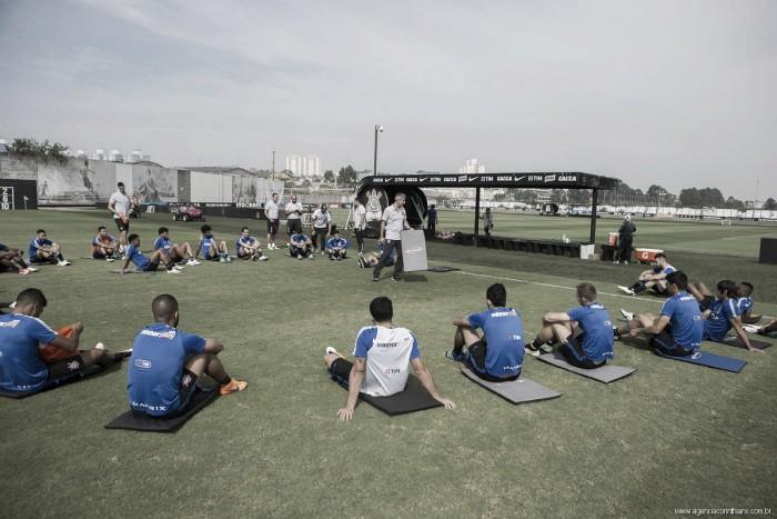 Tite testa mudanças no Corinthians em preparação para estreia no Brasileiro