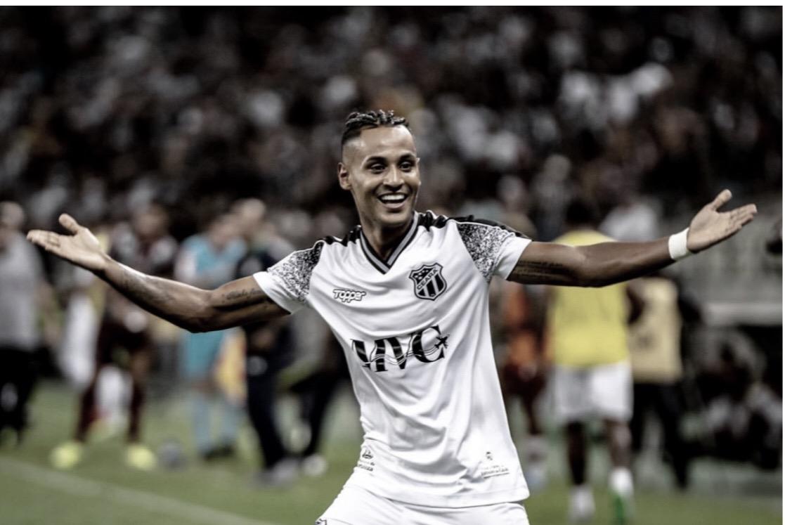 """Mateus Gonçalves comemora ano de Ceará: """"É especial jogar aqui"""""""