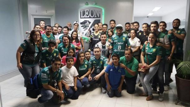 Aficionados se dan 'tour' por el Estadio León