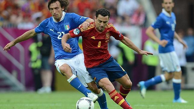 España e Italia rescatan al balón
