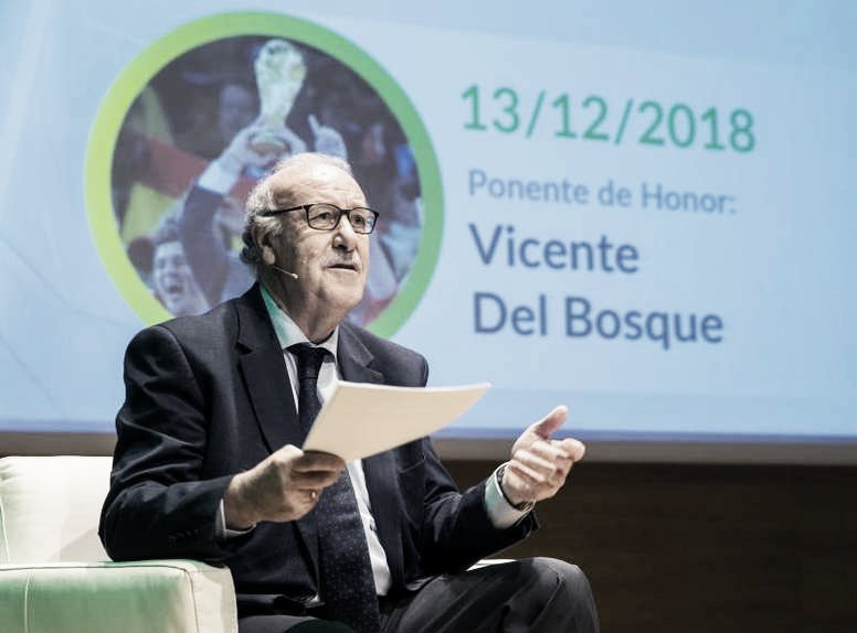 Vicente Del Bosque ratifica a Robert Moreno