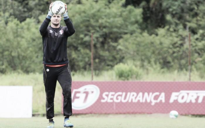 Goleiro Agenor divulga carta de despedida e confirma saída do Joinville ao Sport