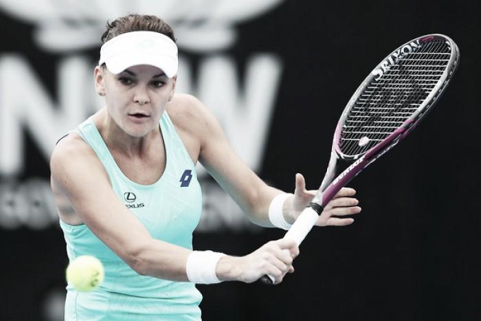Radwanska vence a Barthel tras disponer de diez bolas de partido