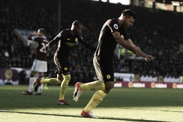 Manchester City joga mal, mas vira sobre Burnley com dois de Agüero