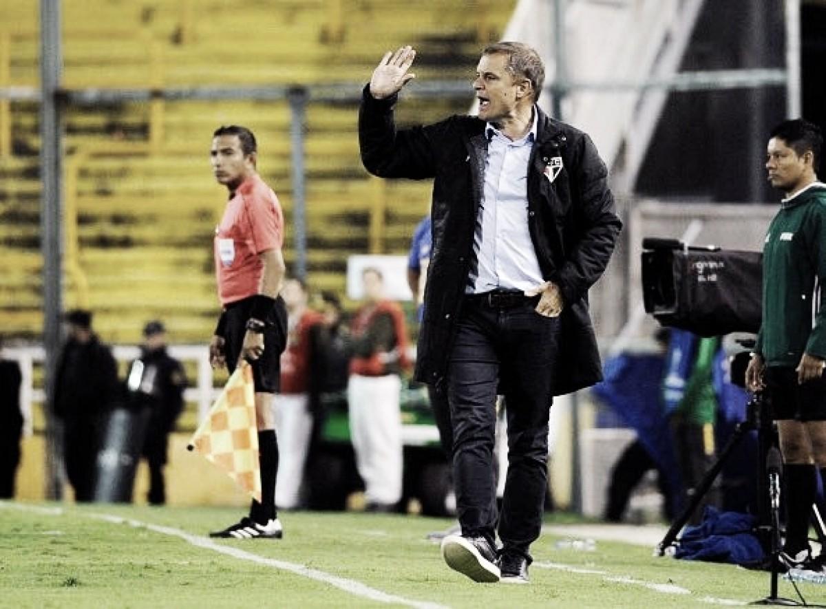 """Após empate na Argentina, Aguirre exalta atuação coletiva do São Paulo: """"Estou satisfeito"""""""