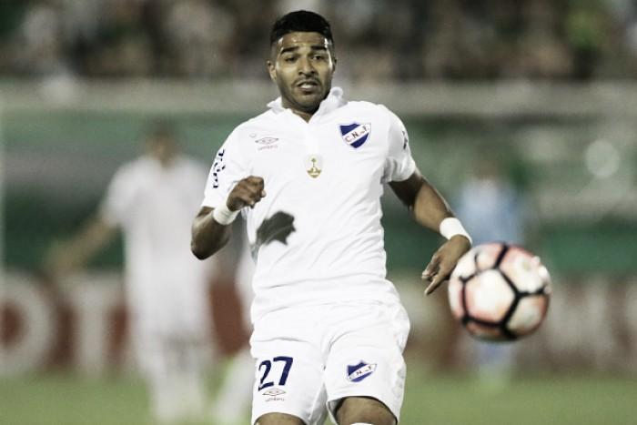 Empresário diz que acerto entre Aguirre e Botafogo está próximo, mas gerente de futebol nega