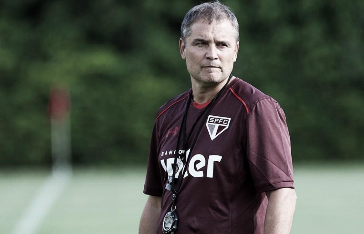 Com volta de jogadores convocados, Aguirre esboça mudanças táticas no São Paulo