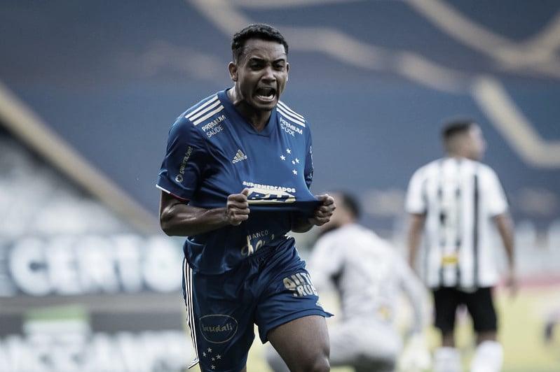 Airton decide no segundo tempo e garante vitória do Cruzeiro no clássico com Atlético-MG