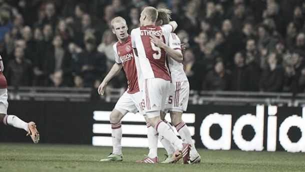 Ajax vence Groningen no sufoco e se mantém na ponta da Eredivisie