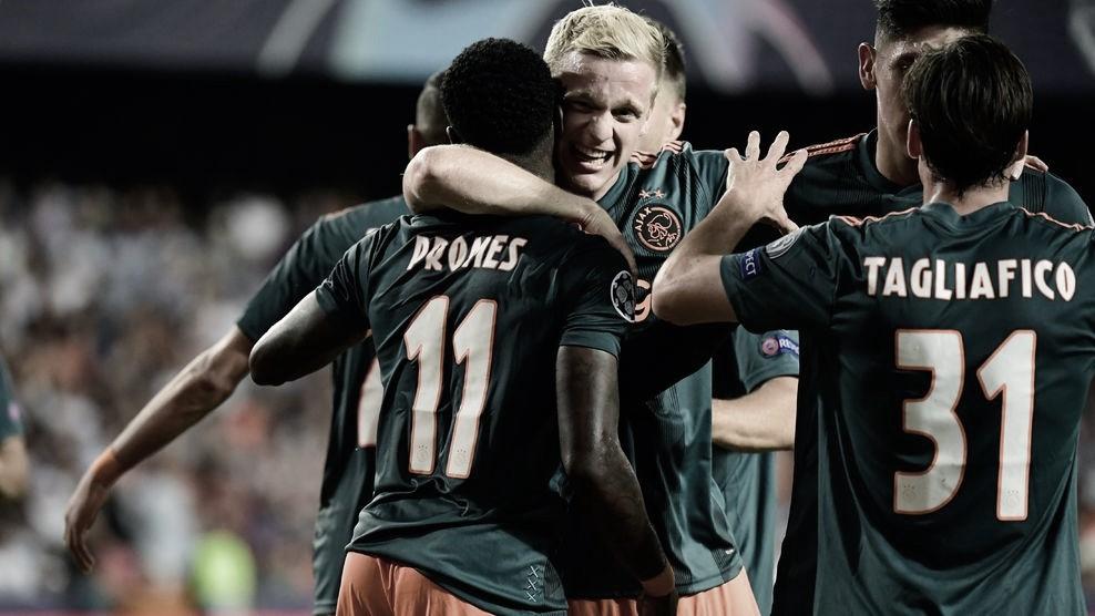 El Valencia cae goleado en Mestalla ante un gran Ajax