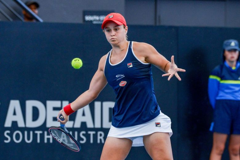 WTA Adelaide Day 2 wrapup: Barty escapes, Halep wins as first round wraps up, second round gets underway