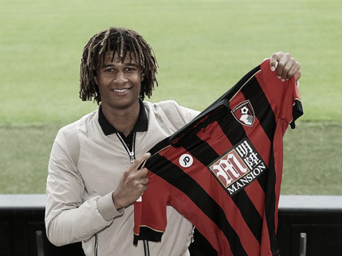 "Howe ""connection"" reason for loan, says Ake"