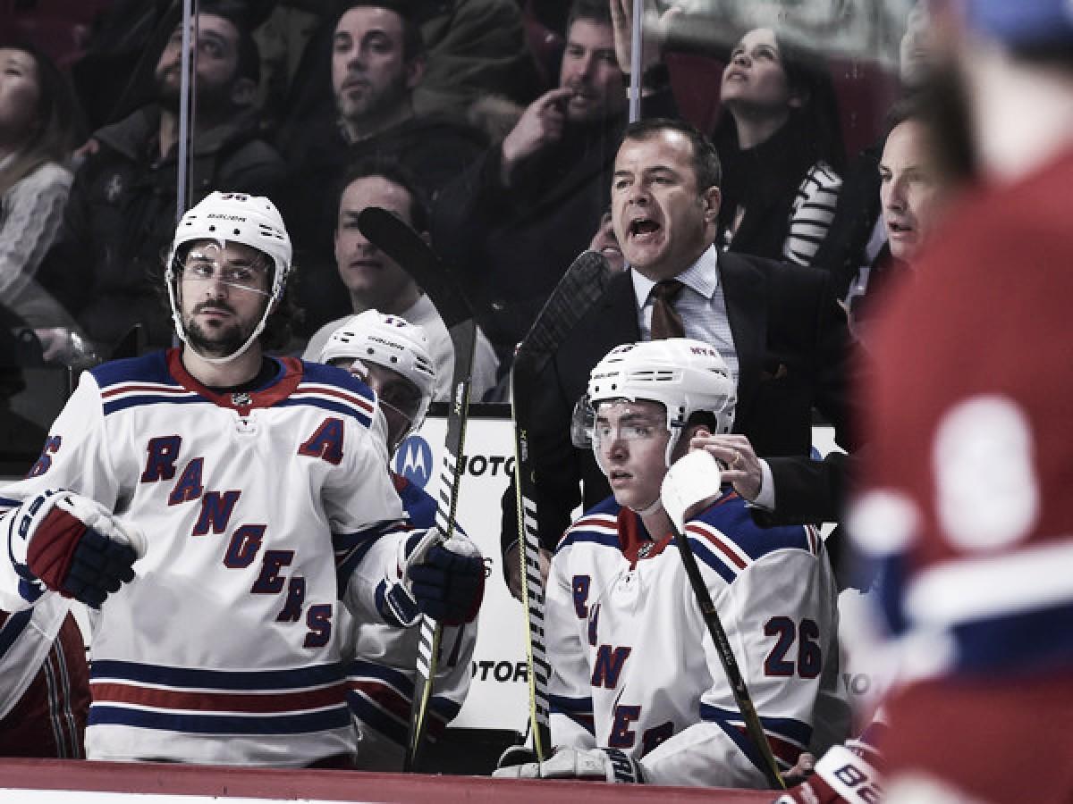 Los Rangers hacen una cambio de aires y despiden a Alain Vigneault