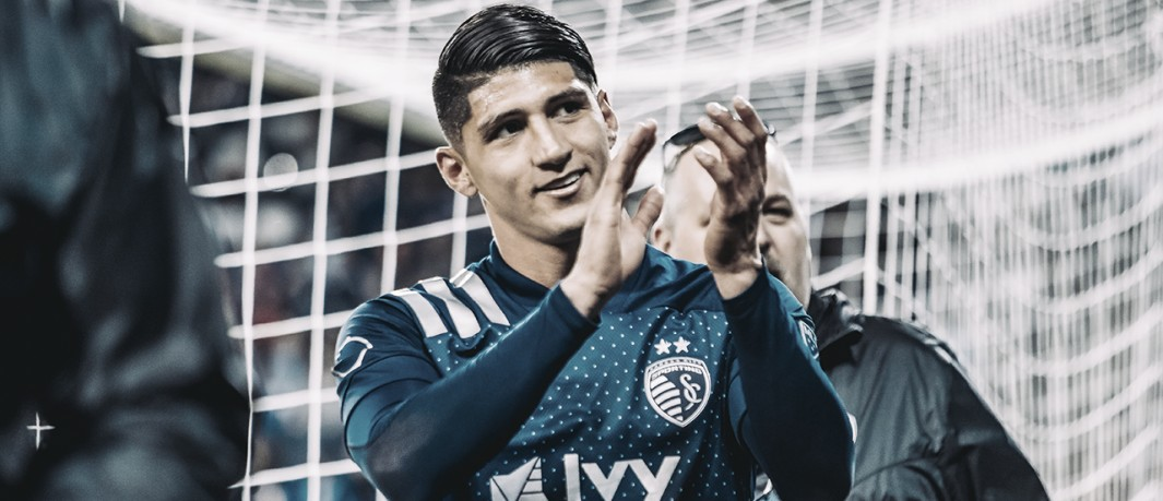 USA on the soccer field #10 - Exclusive: Alan Pulido comments on the difference between MLS and Mexican soccer