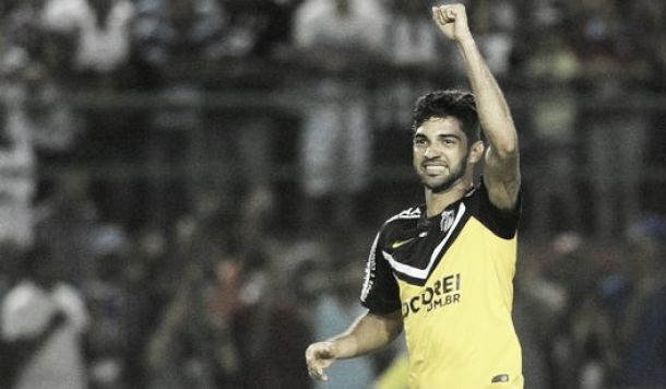 Com estádio superlotado, Santos bate Bahia fora de casa